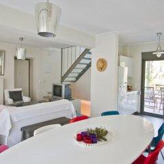 Отель Feebles Garden House Spathies Ситония комната для гостей фото 4
