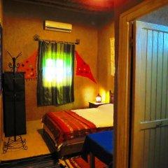 Отель Merzouga Riad and Bivouac Excursion Марокко, Мерзуга - отзывы, цены и фото номеров - забронировать отель Merzouga Riad and Bivouac Excursion онлайн комната для гостей фото 3