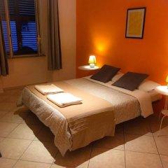 Отель Overseas Guest House Стандартный номер с различными типами кроватей (общая ванная комната)