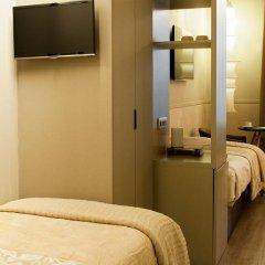 Отель Duquesa De Cardona 4* Стандартный номер с различными типами кроватей фото 3
