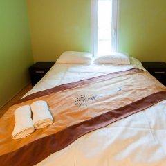 Chłodna29 Hostel Стандартный номер с двуспальной кроватью (общая ванная комната) фото 2