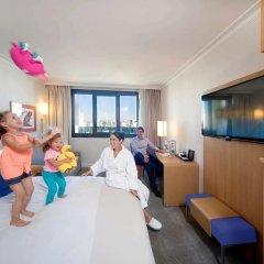 Отель Novotel Paris Vaugirard Montparnasse 4* Представительский семейный номер с различными типами кроватей