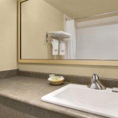 Отель Colonial Square Inn & Suites 2* Стандартный номер разные типы кроватей фото 7
