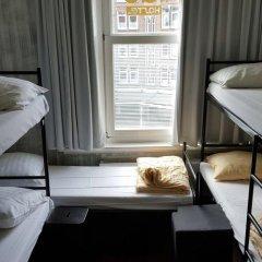 Amigo Budget Hostel Стандартный семейный номер с двуспальной кроватью фото 2