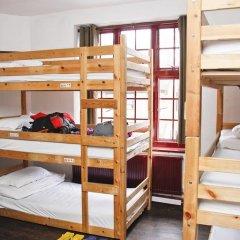 PubLove @ The Steam Engine - Hostel Кровать в общем номере с двухъярусной кроватью фото 10