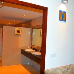 Отель Silver Gold Garden Suvarnabhumi Airport Таиланд, Бангкок - 5 отзывов об отеле, цены и фото номеров - забронировать отель Silver Gold Garden Suvarnabhumi Airport онлайн ванная фото 2