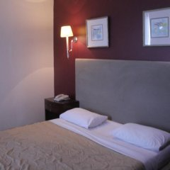 Le Vendome Hotel 4* Стандартный номер с двуспальной кроватью фото 6