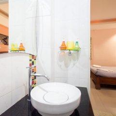Отель Baan Sutra Guesthouse 3* Стандартный номер фото 11