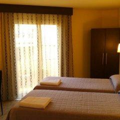 Отель Hostal Sant Sadurní комната для гостей фото 5