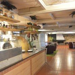 Flora Hotel - Apartments Боровец гостиничный бар