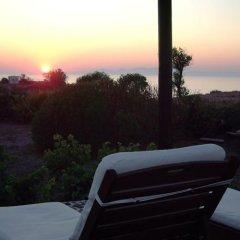 Отель Ecoxenia Studios Греция, Остров Санторини - отзывы, цены и фото номеров - забронировать отель Ecoxenia Studios онлайн приотельная территория