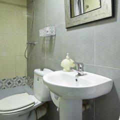 Отель Pension Ciudadela Барселона ванная