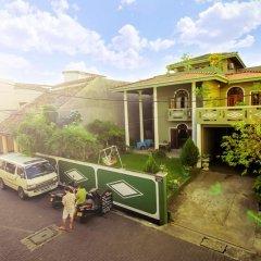 Отель Frangipani Motel парковка