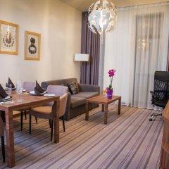 Отель Best Western Premier Sofia Airport Hotel Болгария, София - 1 отзыв об отеле, цены и фото номеров - забронировать отель Best Western Premier Sofia Airport Hotel онлайн комната для гостей фото 3