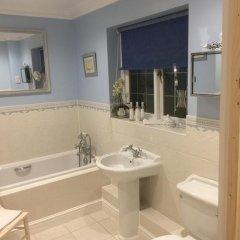 Отель Tirol House Великобритания, Пулборо - отзывы, цены и фото номеров - забронировать отель Tirol House онлайн ванная