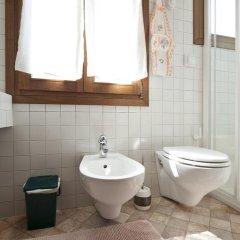 Отель Accademia Apartment Италия, Венеция - отзывы, цены и фото номеров - забронировать отель Accademia Apartment онлайн ванная фото 2