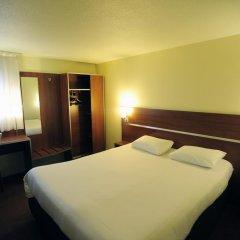 Comfort Hotel Aeroport Lyon St Exupery комната для гостей