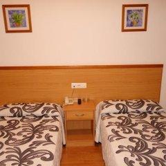 Hotel Reyes de León 2* Стандартный номер с двуспальной кроватью фото 7