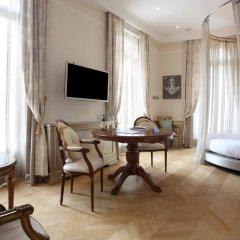 Отель Château Monfort 5* Улучшенный номер с различными типами кроватей фото 4