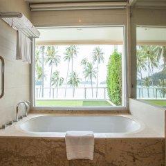 Отель Crowne Plaza Phuket Panwa Beach 5* Стандартный номер с двуспальной кроватью фото 24
