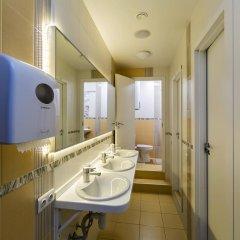 Гостиница HQ Hostelberry Кровать в общем номере двухъярусные кровати фото 46