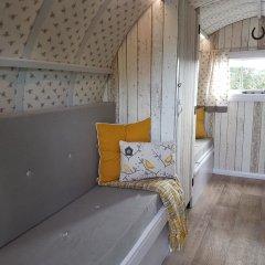 Отель The Little Hide - Grown Up Glamping Стандартный номер с различными типами кроватей фото 4