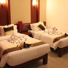 Отель Patong Hemingways 3* Улучшенный номер двуспальная кровать фото 11