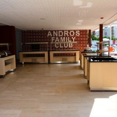 Отель Andros Family Club парковка