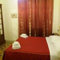 Отель Soggiorno Isabella De' Medici 3* Стандартный номер с двуспальной кроватью (общая ванная комната)
