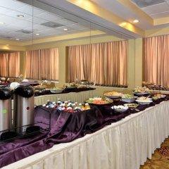 Отель Quality Inn & Suites New York Avenue питание фото 3