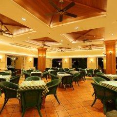 Отель Palm Beach Resort&Spa Sanya питание
