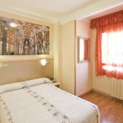 Отель Hostal Barcelona Стандартный номер с различными типами кроватей фото 16
