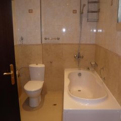 Отель House No 5 in Priselci Green Hills Complex Варна ванная фото 2