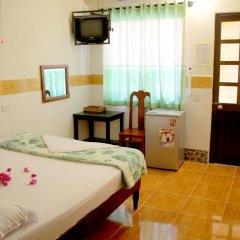 Отель Hoang Nga Guest House 2* Стандартный номер с двуспальной кроватью фото 2