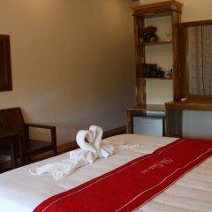 Отель Villa Oasis Luang Prabang 3* Номер Делюкс с двуспальной кроватью фото 10