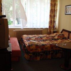 Hotel Jana / Pension Domov Mladeze Стандартный номер с различными типами кроватей