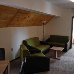 Семейный отель Друзья Солнечный берег комната для гостей фото 3