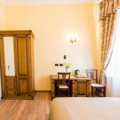 Мини-отель Дом Чайковского Улучшенный номер с различными типами кроватей