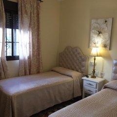 Отель Hostal Lojo Испания, Кониль-де-ла-Фронтера - отзывы, цены и фото номеров - забронировать отель Hostal Lojo онлайн комната для гостей фото 4
