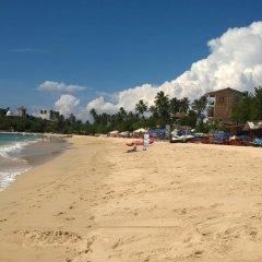 Отель Thaproban Beach House пляж фото 4