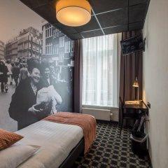 Отель Cornelisz Амстердам комната для гостей