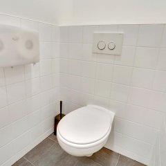 Отель Dutchies Hostel Нидерланды, Амстердам - отзывы, цены и фото номеров - забронировать отель Dutchies Hostel онлайн ванная фото 2