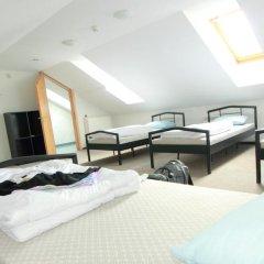 Отель Hostelgate Литва, Вильнюс - отзывы, цены и фото номеров - забронировать отель Hostelgate онлайн комната для гостей фото 3