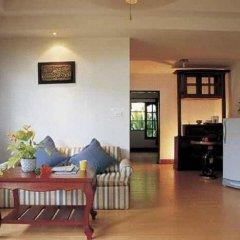 Отель Holiday Villa Ланта интерьер отеля
