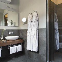 Отель Tornabuoni Suites Collection 3* Люкс с различными типами кроватей
