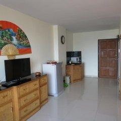 Апартаменты View Talay 1b Serviced Apartments Паттайя комната для гостей фото 2