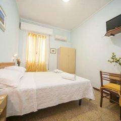 Гостевой Дом Eliseo Budget Стандартный номер с двуспальной кроватью фото 4