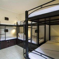 Hanoi Backpackers Hostel The Original 2* Кровать в общем номере фото 3
