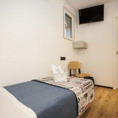 Отель Hostal CC Malasaña Стандартный номер с различными типами кроватей фото 4