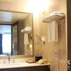 Отель Ramada Hotel and Suites Seoul Namdaemun Южная Корея, Сеул - 1 отзыв об отеле, цены и фото номеров - забронировать отель Ramada Hotel and Suites Seoul Namdaemun онлайн ванная фото 2